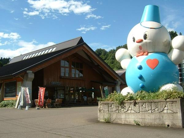 上越市 雪だるま物産館